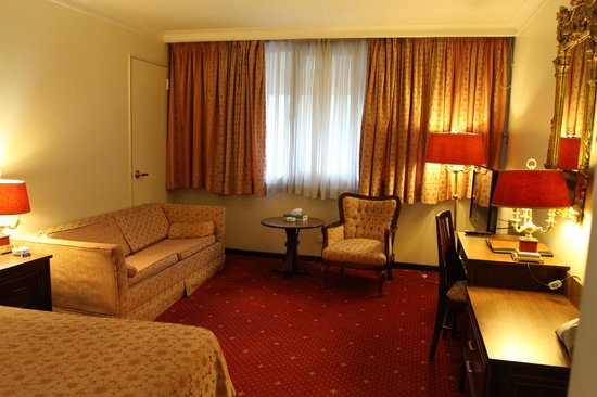 Laleh-Hotel